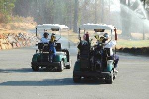 Težave z golf avtomobilčki